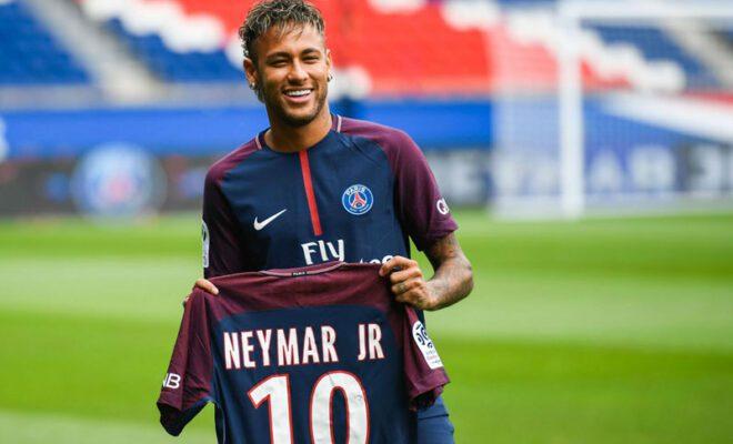 neymar memutuskan untuk bertahan