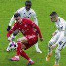 lewandowski cetak gol