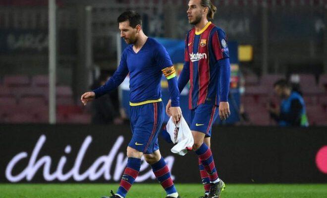 skuat barcelona terus tertunduk